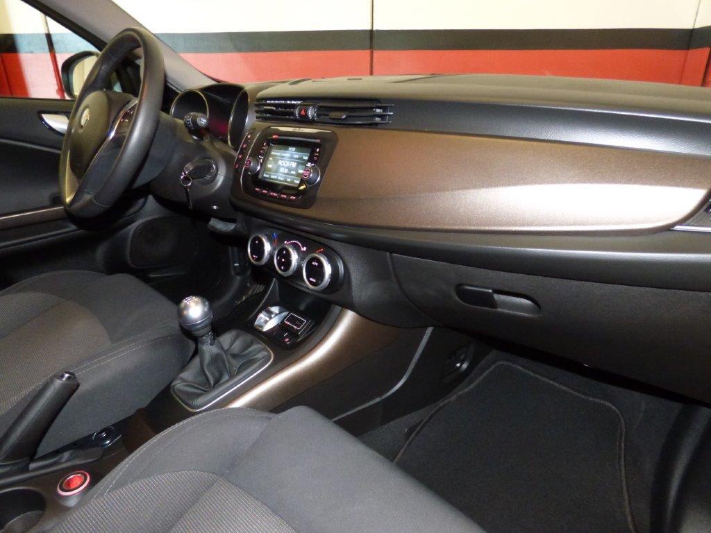 Giulietta 1.6 JTDM 120CV Distinctive 5