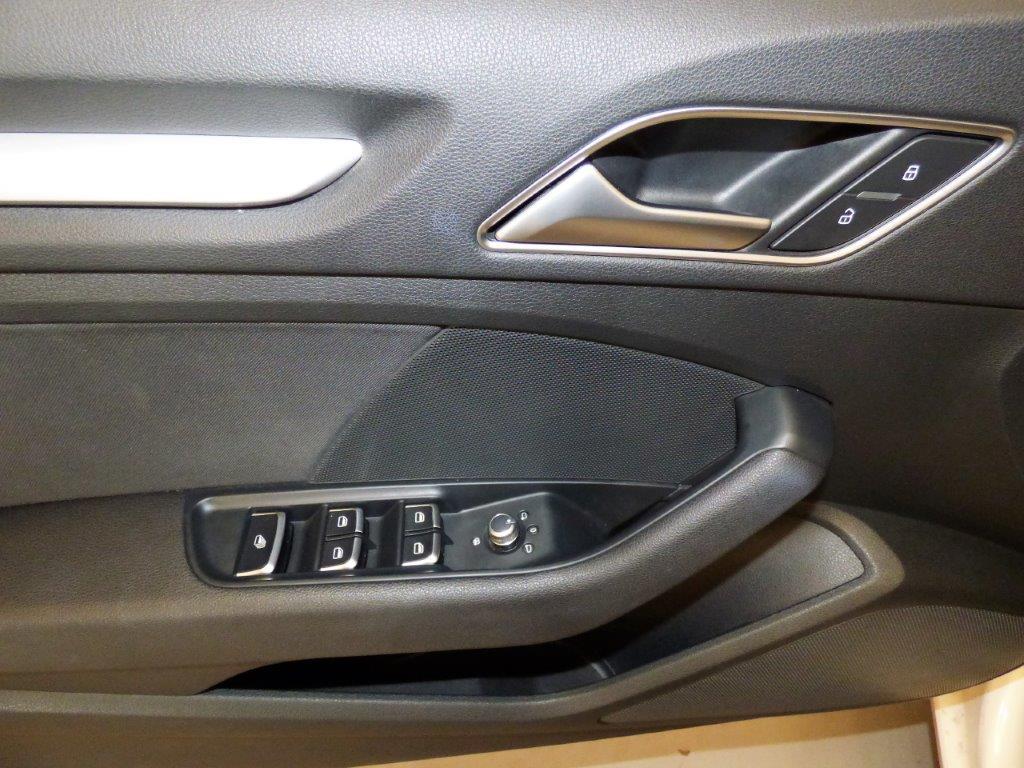 A3 Cabrio 1.6 TDI 110CV Ambition 6