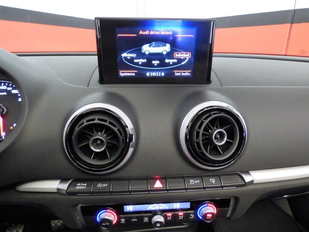 A3 Cabrio 1.6 TDI 110CV Ambition 8