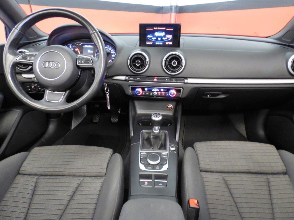 A3 Cabrio 1.6 TDI 110CV Ambition 9