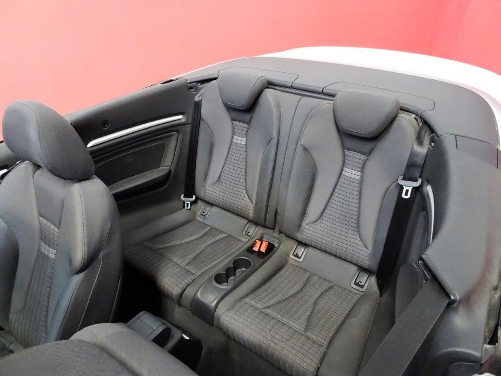 A3 Cabrio 1.6 TDI 110CV Ambition 2