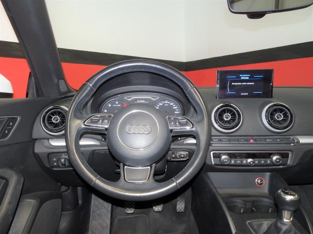 A3 Cabrio 1.6 TDI 110CV Ambition 13