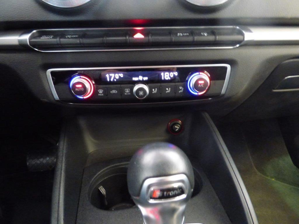A3 Sportback 1.6 TDI 110CV Atraction Stronic 14