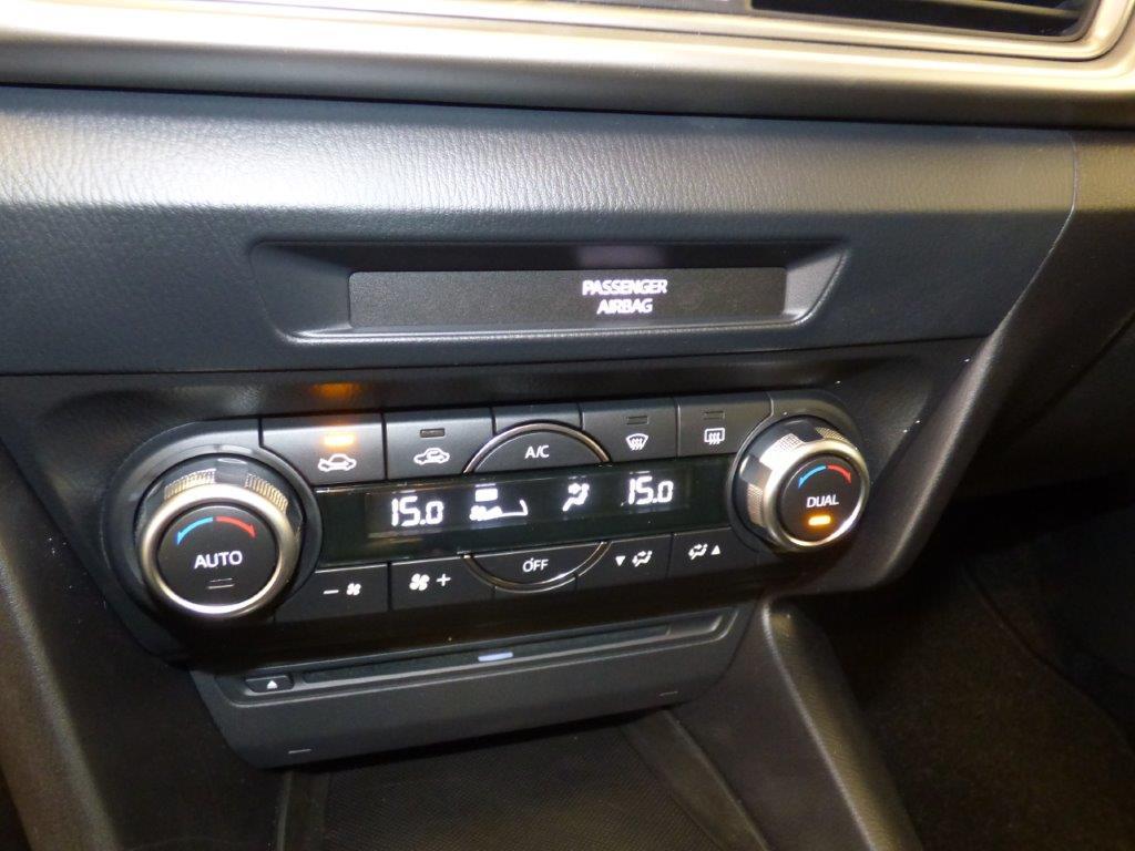 Mazda 3 2.0 Skyactiv 120CV Style Confort + Navi 4