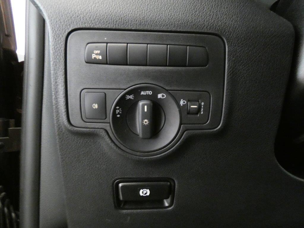 Vito 114 Especial Edition CDI Tourer Pro Larga 15
