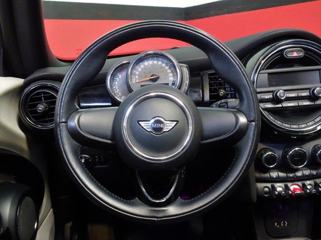 One Cabrio . 12