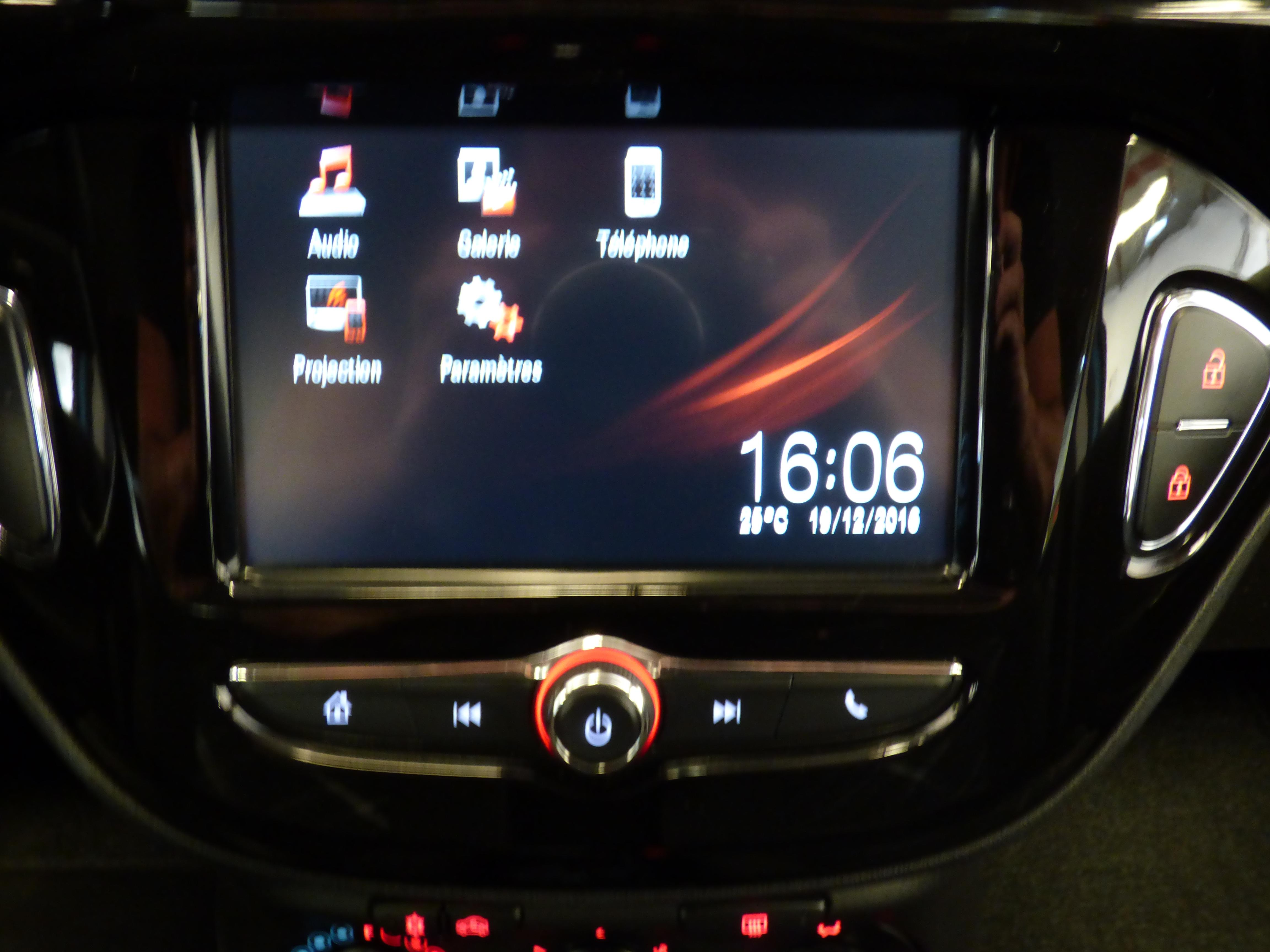 Corsa 1.4 90CV Color edition 5P 13