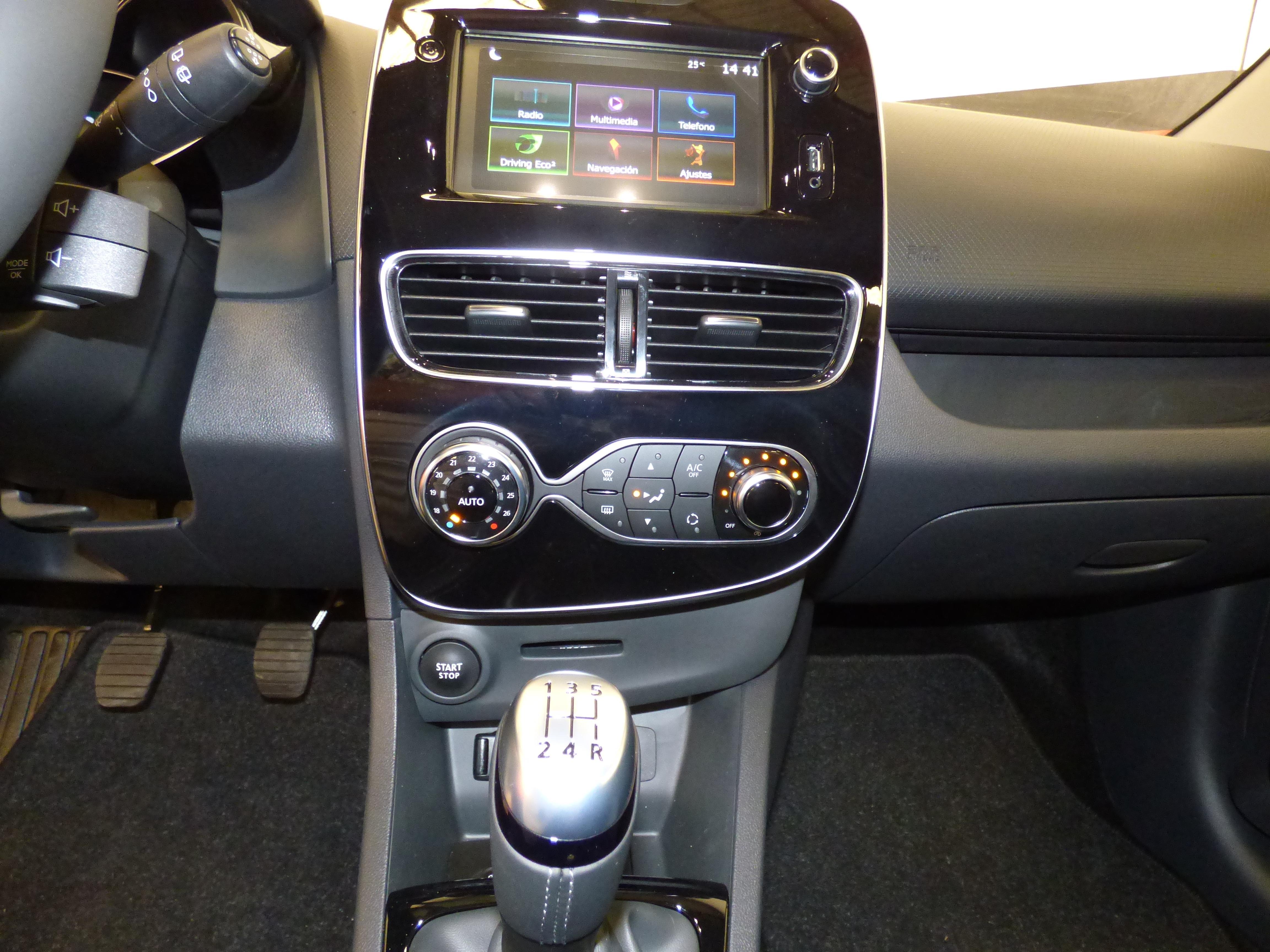 Clio Sport Tourer 0.9 TCE 90CV Zen Energy 14