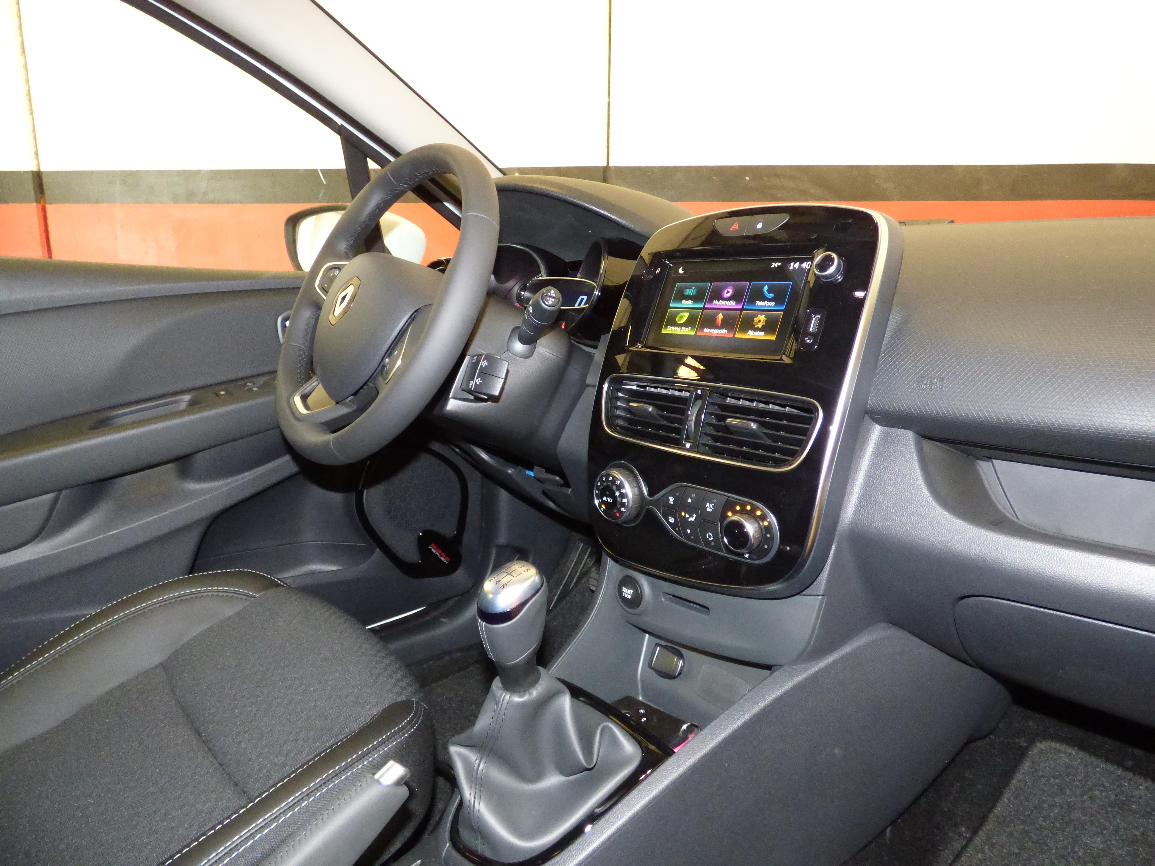 Clio Sport Tourer 0.9 TCE 90CV Zen Energy 11