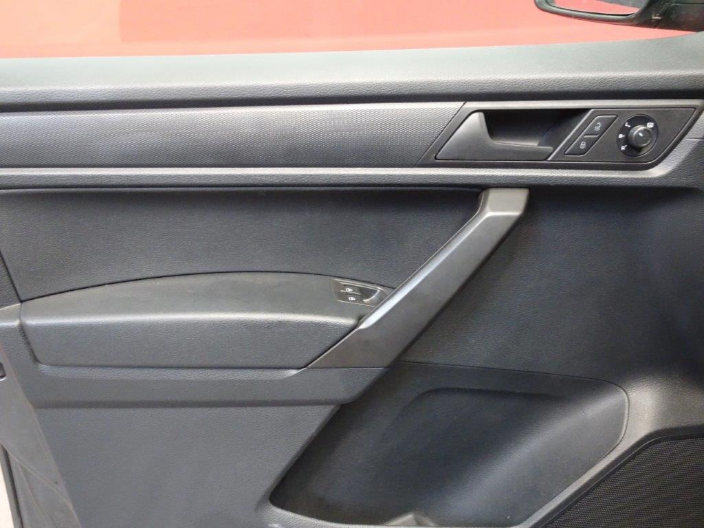 Caddy Maxi 7 Plazas 2.0 TDI 102CV DSG auto 11