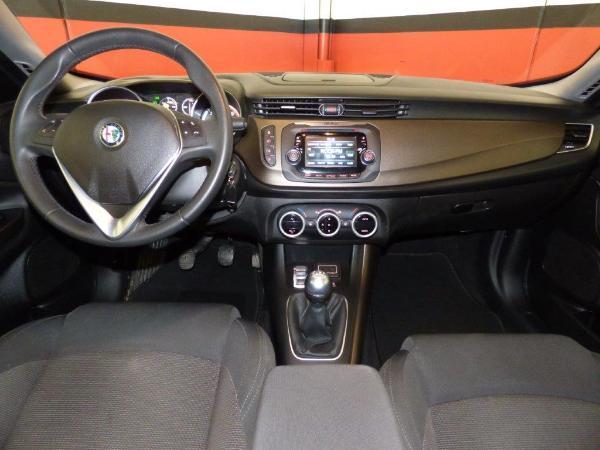 Giulietta 1.6 JTDM 120CV Distinctive 7