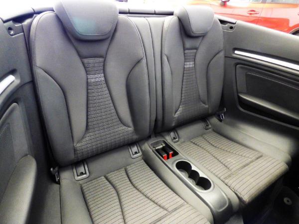 A3 Cabrio 1.6 TDI 110CV Ambition 11