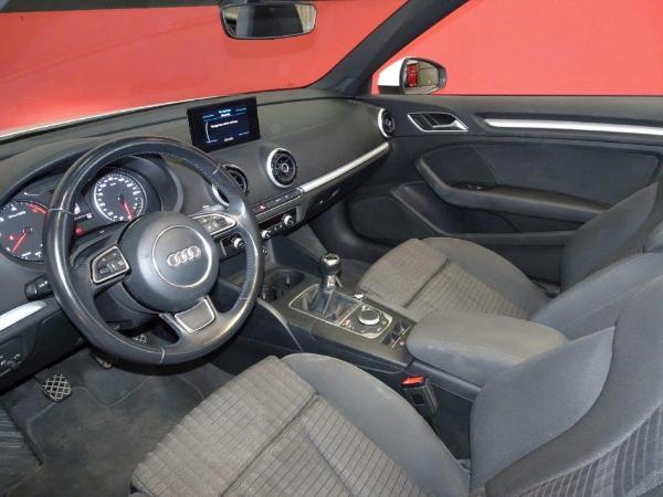 A3 Cabrio 1.6 TDI 110CV Ambition 12