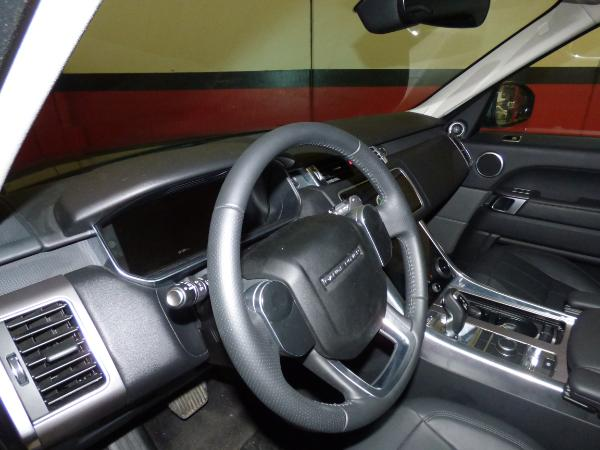 Range Rover Sport 3.0 TDV6 258CV HSE MY 2018 11