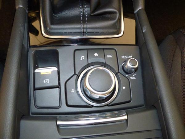 Mazda 3 2.0 Skyactiv 120CV Style Confort + Navi 3