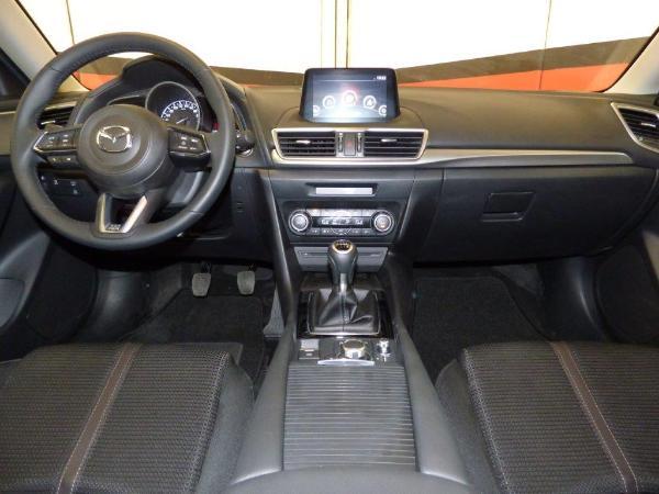 Mazda 3 2.0 Skyactiv 120CV Style Confort + Navi 8