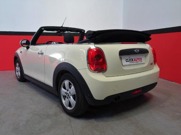 One Cabrio . 5