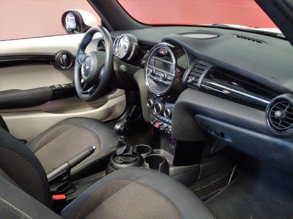 One Cabrio . 15