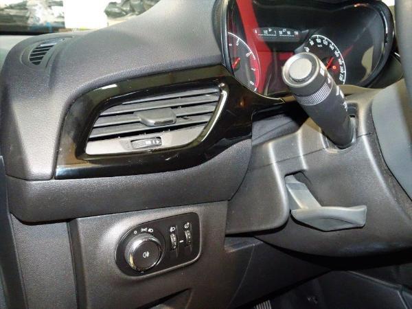 Corsa 1.4 90CV Selective 5P 8