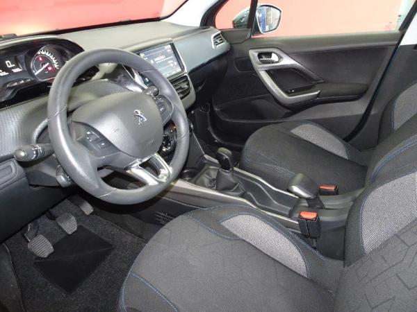 2008 1.6 BlueHDI 100CV Style 11