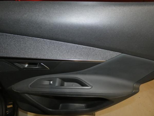 3008 Puretech 130CV Allure 9